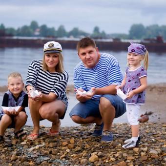 Ксения и Алексей с детьми