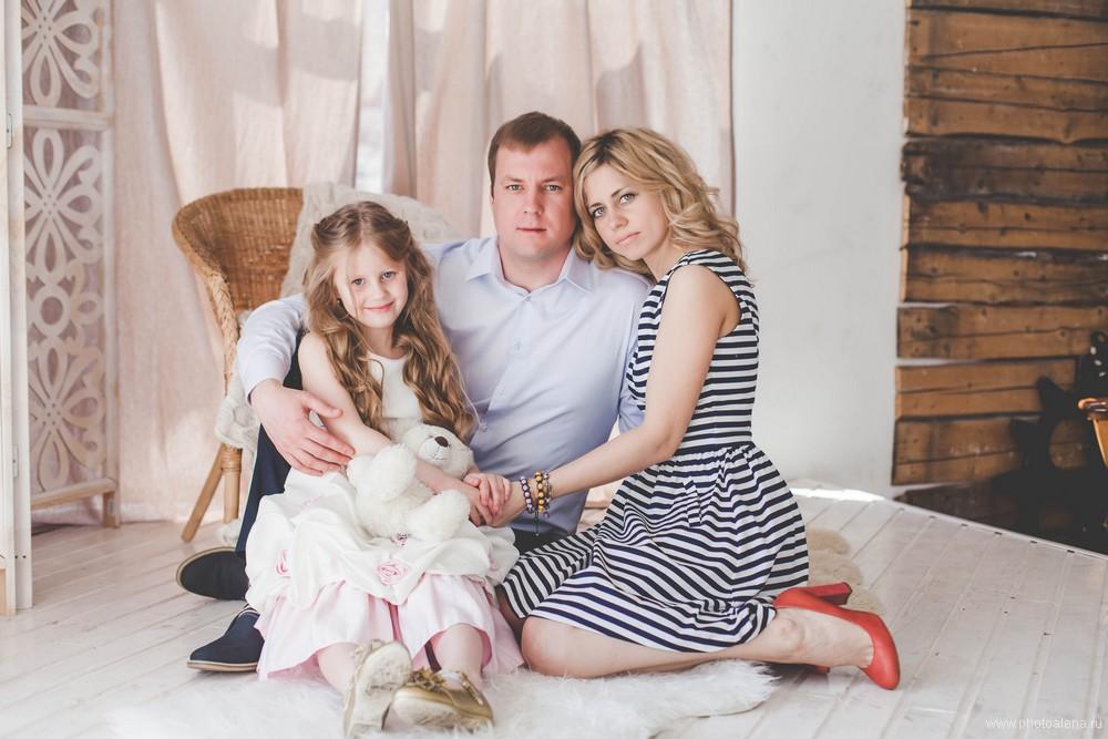 Анна и Артем с дочкой Лизой — Семейная фотосессия