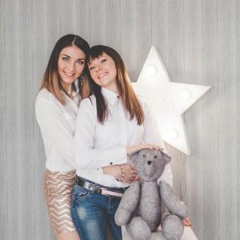 Ирина и Полина с детьми