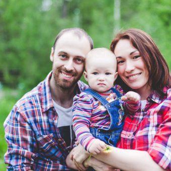 Лиля и Дима с дочкой Василисой